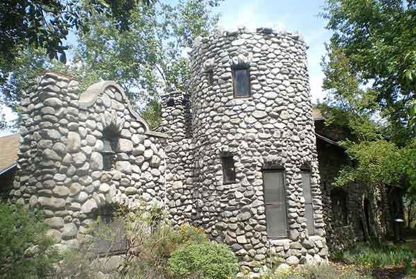 Charles Lummis home, El Alisal in Mount Washington